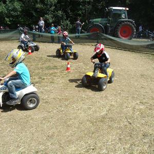 Kinderquads-Parcours mit flexiblem Sicherheitszaun
